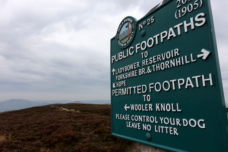 Sign on the approach Win Hill